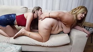 Fat Butt Facesitting Lethal Squeezing and Ass Licking